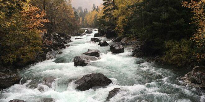 Aguas del río Ara en el Valle de Bujaruelo