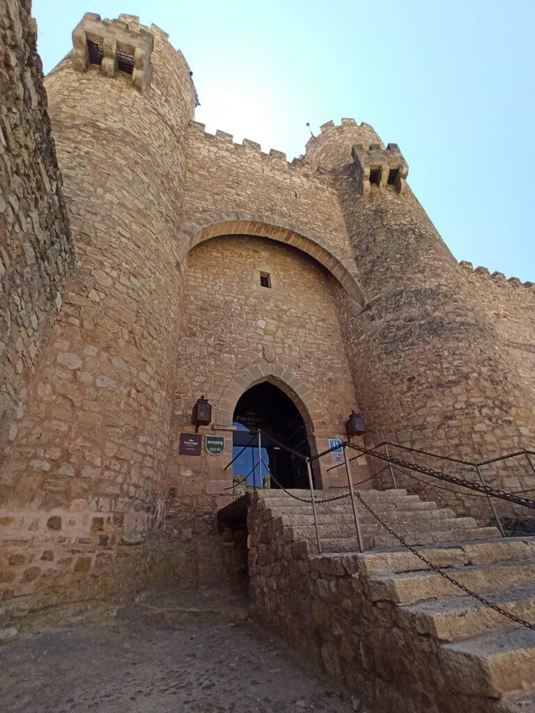 Entrada al castillo/ parador