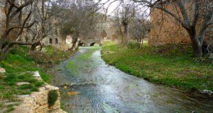Lumias y el río Talegones a su paso